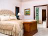 Master bedroom - Thompson Cove beach villa